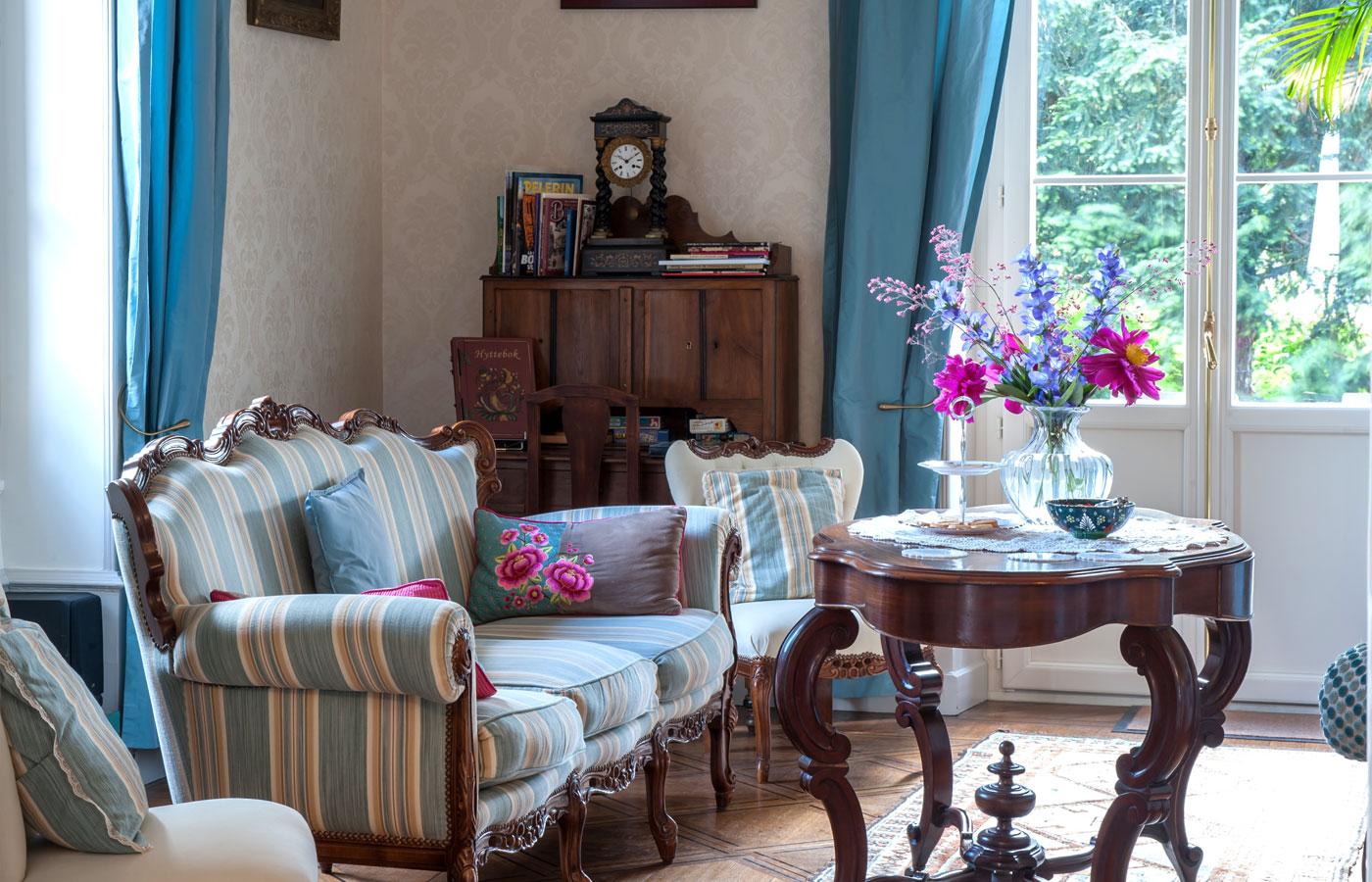 oustal en berry chambre d 39 h tes bourges. Black Bedroom Furniture Sets. Home Design Ideas